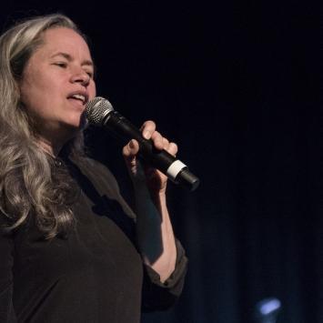 Natalie Merchant benefit concert for The Umbrella (Photo by Jim Sabitus)