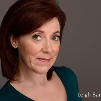 Leigh Barrett (Elizabeth Arden) Co-Stars in War Paint by The Umbrella Stage Company